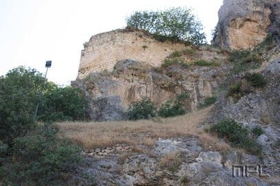 Murallas del castillo de Albanchez de Mágina