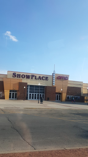 Movie Theater «AMC Showplace Cicero 14», reviews and photos, 4779 W Cermak Rd, Cicero, IL 60804, USA