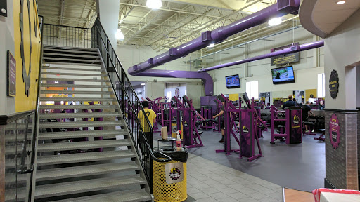 Gym Planet Fitness Reviews And Photos 25 Lindeman Dr Trumbull Ct 06611 Usa
