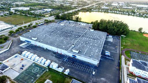 Plumbing Supply Store «Ferguson», reviews and photos, 9439 W Commercial Blvd, Tamarac, FL 33351, USA