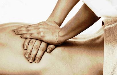 imagen de masajista Fisioterapeuta Ildefonso Collado. Osteópata fisioterapia deportiva,