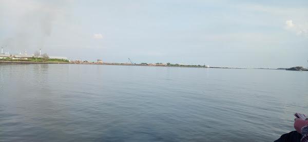 Pantai Mayangan Probolinggo