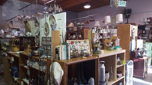 Habitat for Humanity Store, 212 S Railroad Ave, Ellensburg, WA 98926, USA, Thrift Store