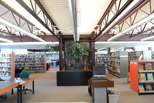 Art Gallery Bibliothèque et Centre d'Exposition d'Amos in Amos (QC) | CanaGuide