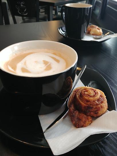 Montrock Cafe & Convenience