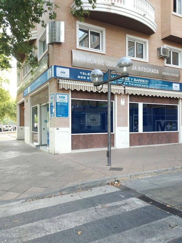 Centro de fisioterapia Martínez-Barrios