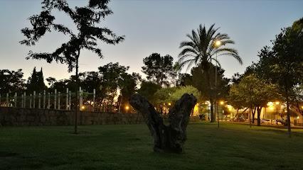 Los Pinos Park