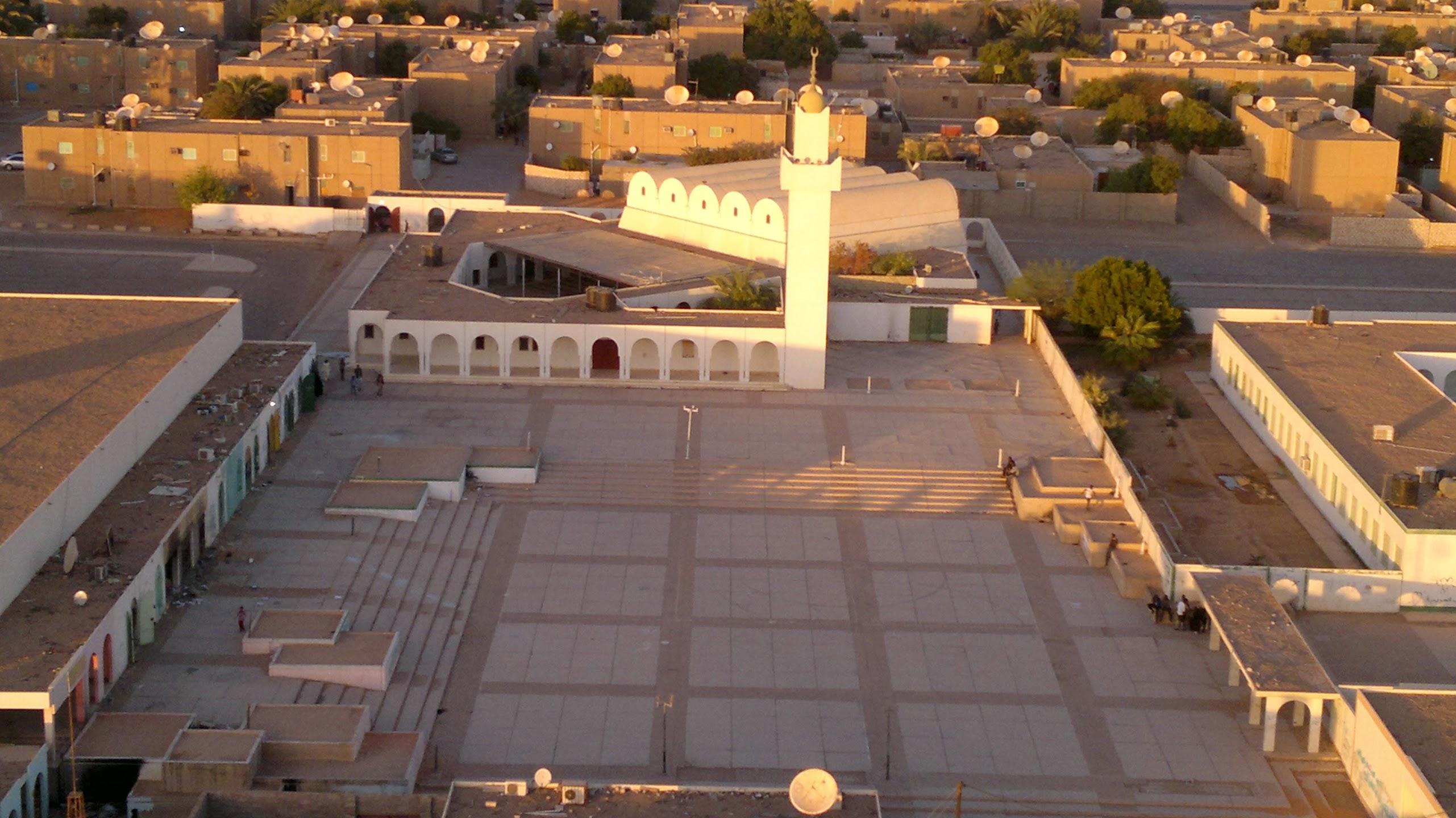 Mezquita Ansar, en Kufra, en el Desierto del Sahara, Libia. Foto: Eazalidin Eabdallah Muhamad Yuski