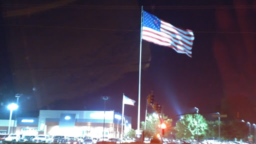 Car Dealer «Landers Ford», reviews and photos, 2082 W Poplar Ave, Collierville, TN 38017, USA