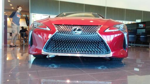 Lexus Dealer «Lexus of Highland Park», reviews and photos, 2930 Skokie Valley Rd, Highland Park, IL 60035, USA