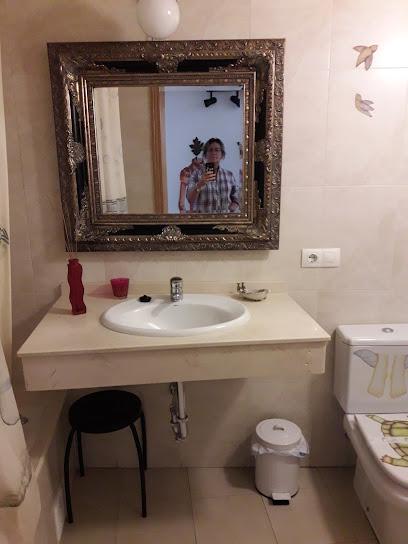 La Casa Pintada: Cum Laude 1 ¿Dónde Dormir en Cáceres?