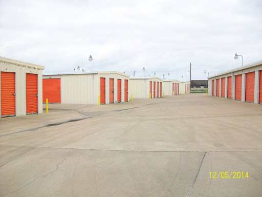Mini-West Storage, 1400 N 45th St, Corsicana, TX 75110, Self-Storage Facility