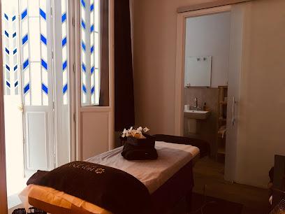 imagen de masajista Naisha Masaje Center