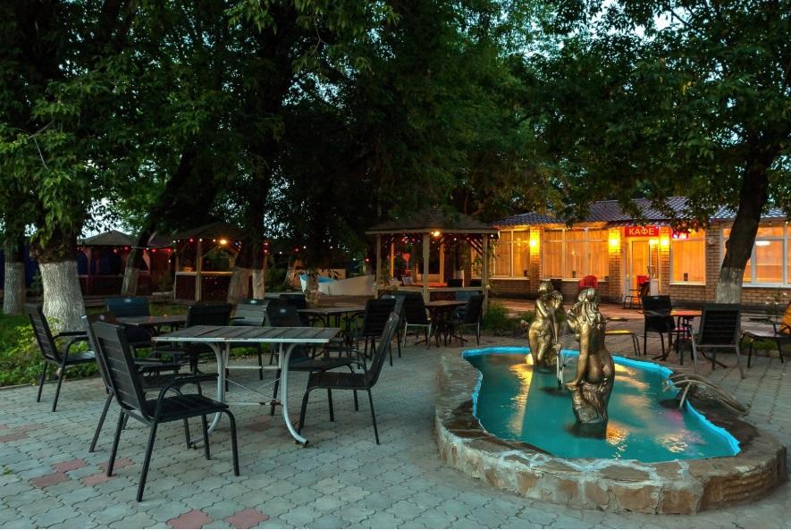 Кафе-ресторан-бар Изумруд