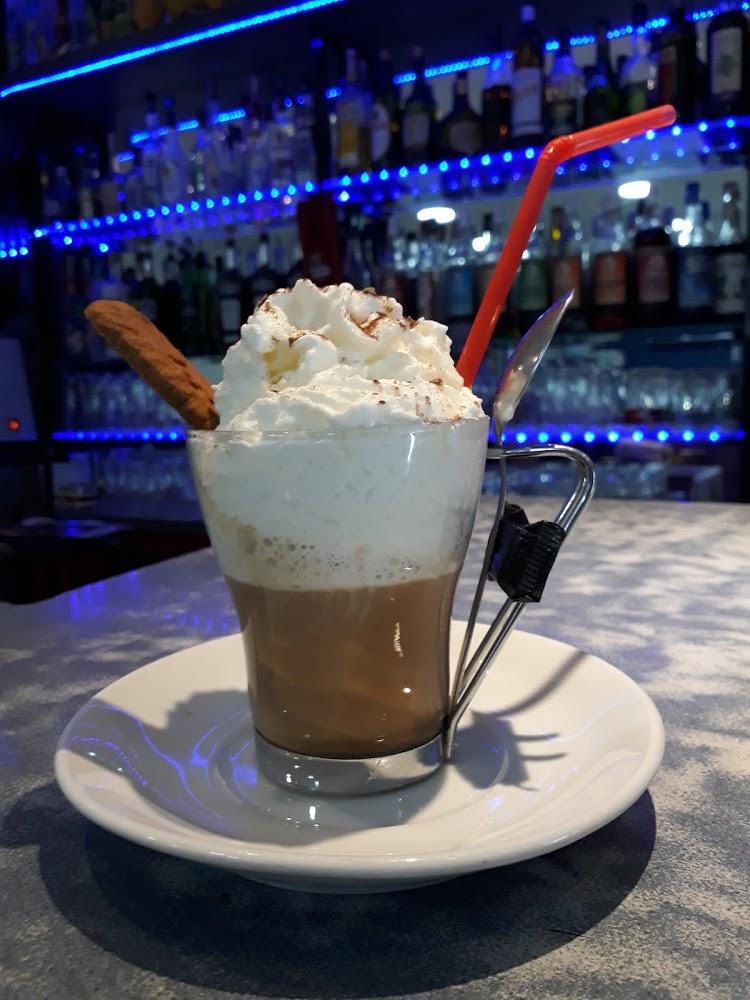 photo du resaurant Café Beau Rivage
