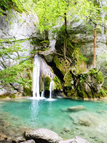 Waterfall Belabarze