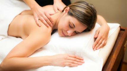 imagen de masajista Centro Om