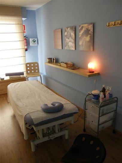 imagen de masajista Terapies Naturals TSUBO