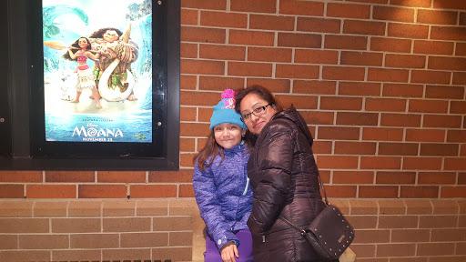 Movie Theater «AMC Showplace Village Crossing 18», reviews and photos, 7000 Carpenter Rd, Skokie, IL 60077, USA