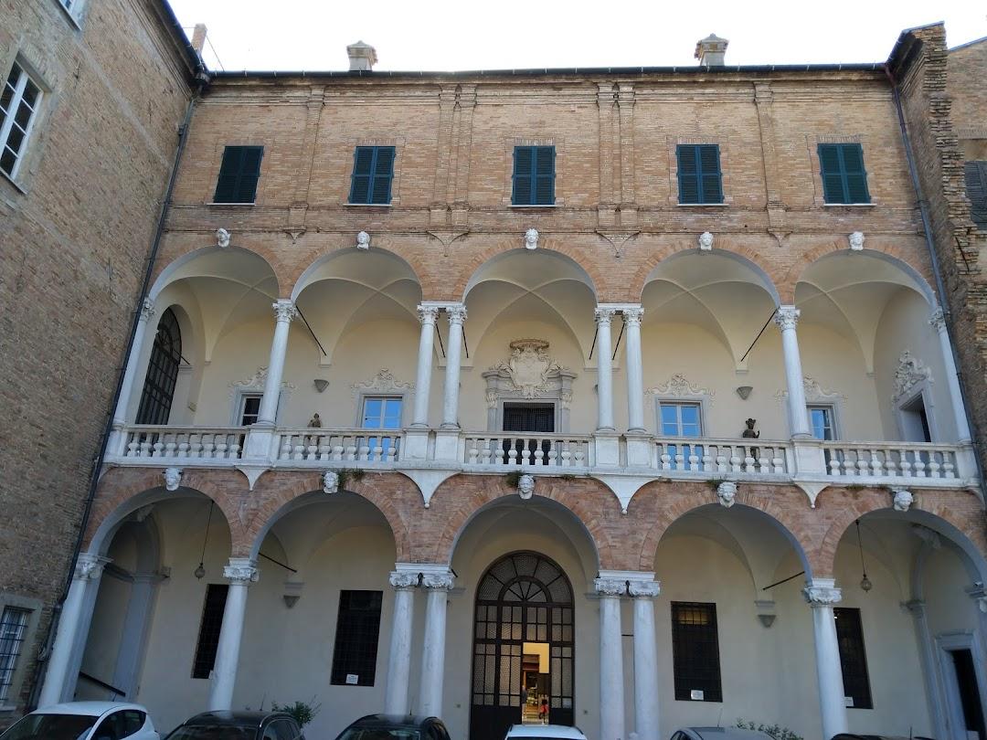 Palazzo Ghini (Già Mazzoli)