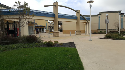 Shopping Mall «Cincinnati Premium Outlets», reviews and photos, 400 Premium Outlets Dr, Monroe, OH 45050, USA