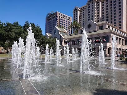 Plaza de César Chávez