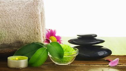 imagen de masajista Reyes Vilarchoa Terapias Naturales Complementarias