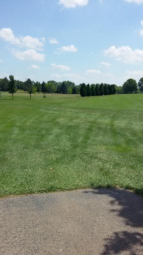 Golf Course «Country Club Estates Golf Course», reviews and photos, 365 E Pottawatomi Dr, Fontana-On-Geneva Lake, WI 53125, USA