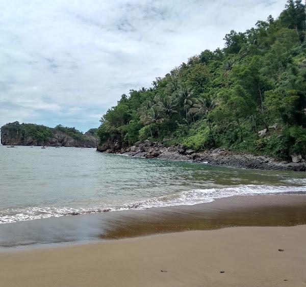 Pantai Kuyon