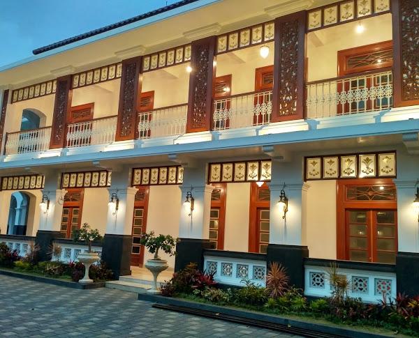 Hotel Daroessalam