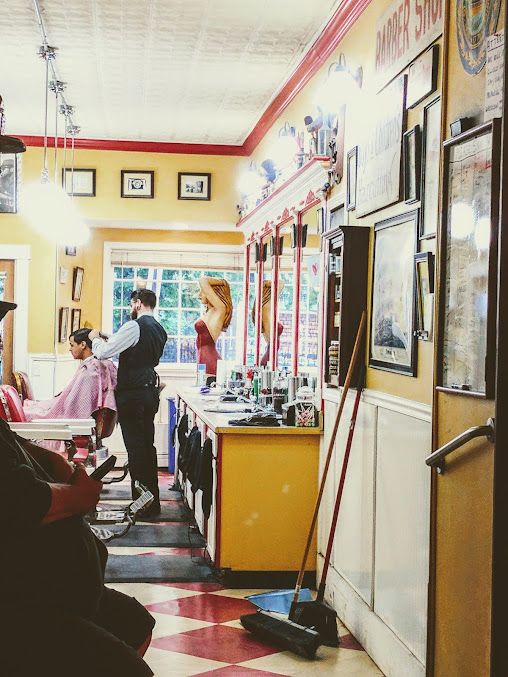Lucky's Barbershop & Shave Parlor