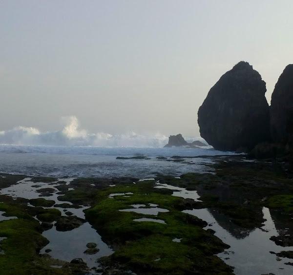 Pantai Jujugan Wetan