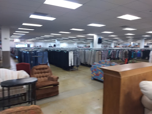 The Salvation Army Family Store & Donation Center, 340 Townline Rd, Mundelein, IL 60060, Thrift Store