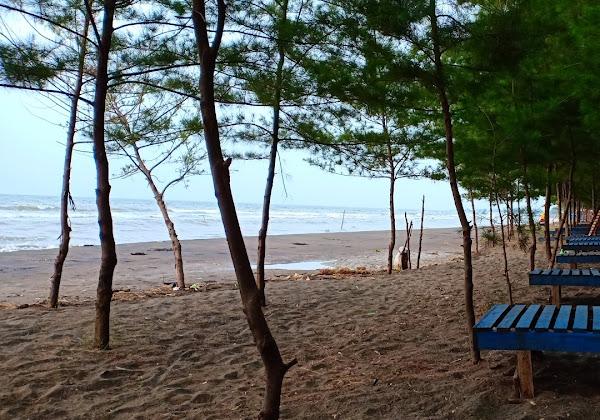 Wisata Pantai Jodo Batang