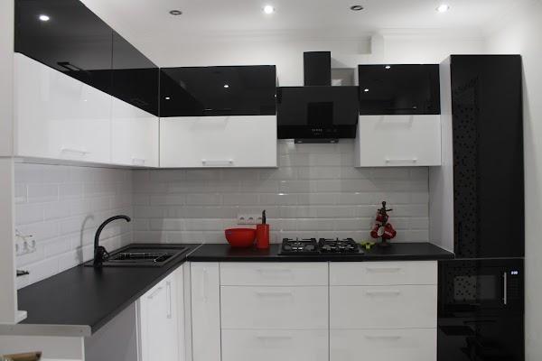 производство мебели Comodik дизайн студія меблів кухні гардеробні
