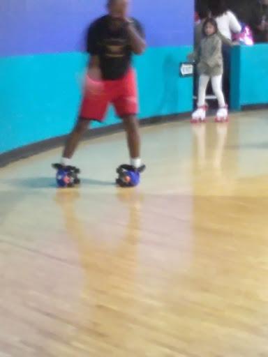 Roller Skating Rink «United Skates of America», reviews and photos, 75 New Rd, Rumford, RI 02916, USA