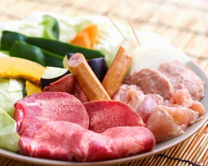 溶岩焼肉agood沖縄那覇 あぐーと鹿児島産黒豚和牛を溶岩プレート
