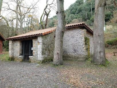 Ermita De San Roque Y Arboreto De Liendo