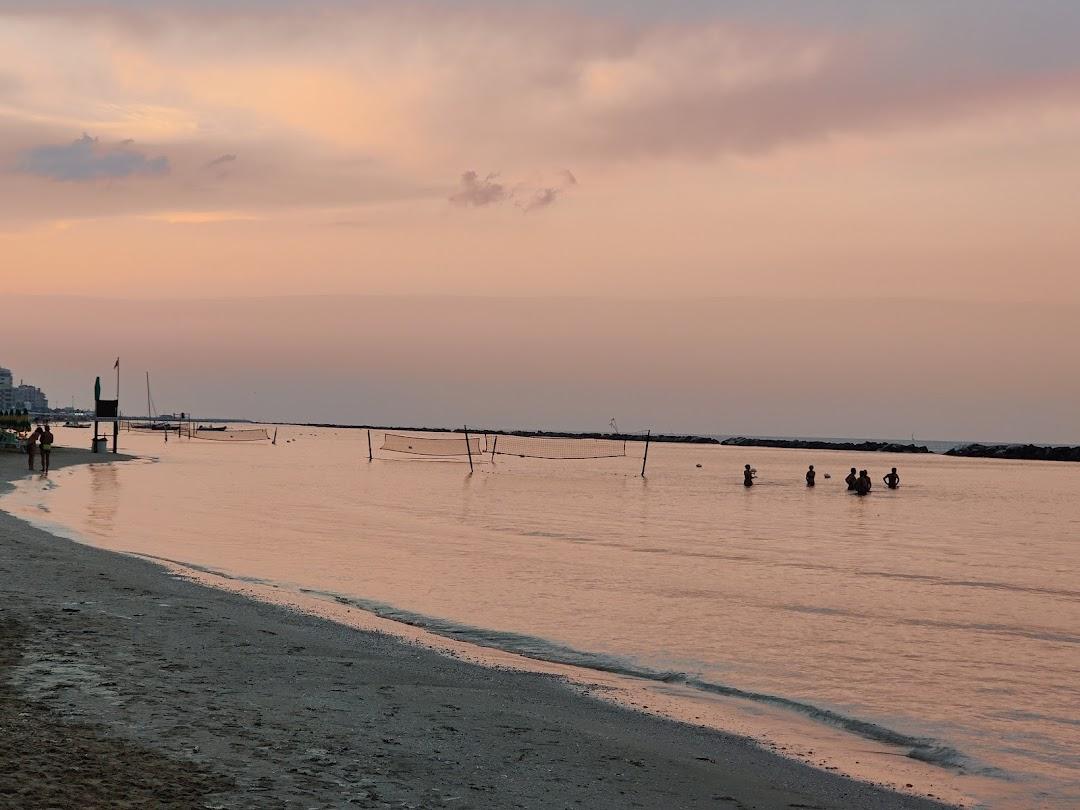 Spiaggia Libera Sottomonte Pesaro-Fano - FREE WiFi