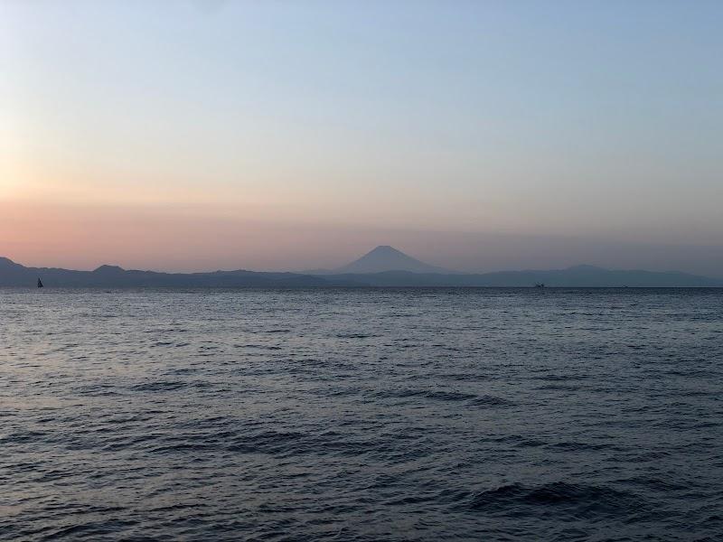 元町港突堤灯台
