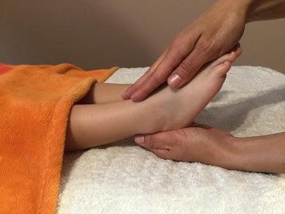 imagen de masajista Mama Salud Natural - Centro de Terapias Naturales