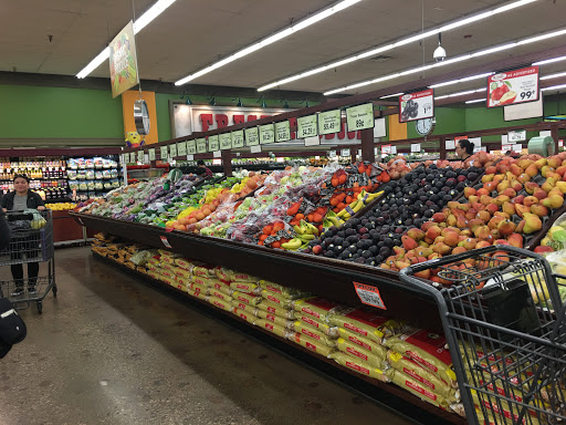 Produce Market Valli Produce Reviews And Photos 850 Roselle Rd