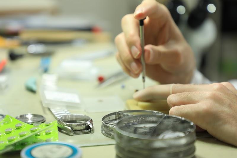 腕時計の修理店 watch makers