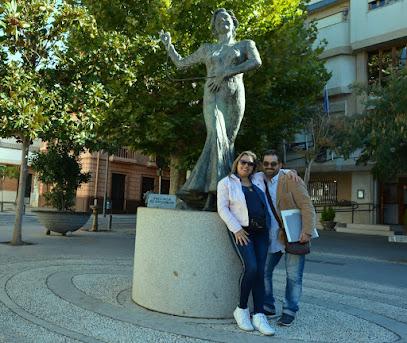 Estatua de Rocio Durcal Hija adoptiva desde 1968 JALF