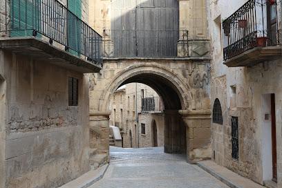 Portal de Orta y Capilla de San Antonio