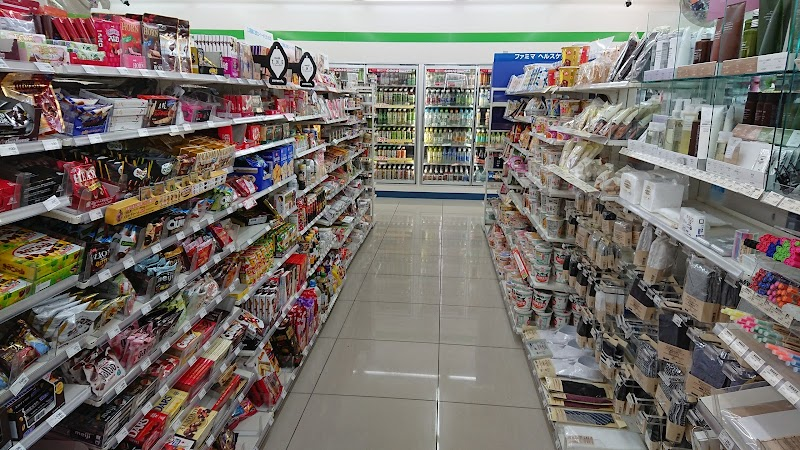 ファミリーマート 金沢新神田店
