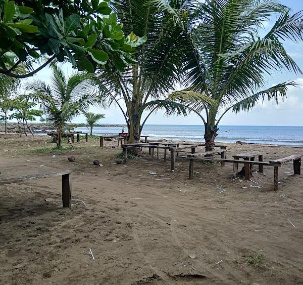 Pantai Caringin
