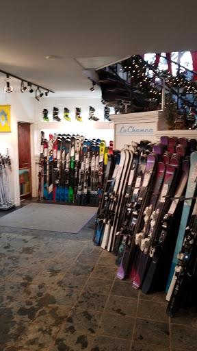 Snow Sport Boutique De Ski Daniel Lachance in Mont-Tremblant (QC) | CanaGuide