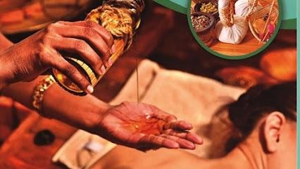 imagen de masajista Malajaya Masaje & Ayurveda - Masajes holisticos y quiromasaje