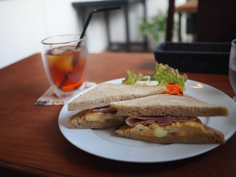 石窯薪木パンとサンドイッチ ときはや